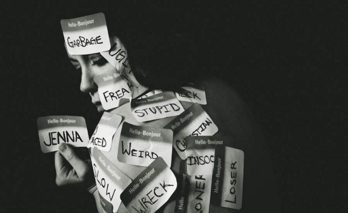 Oameni - Etichete