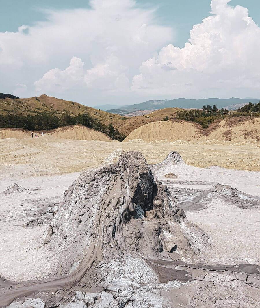 Vulcanii-Noroioşi-ana-maria-popescu-pâclele-mari